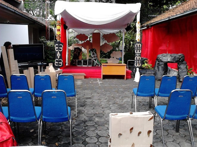 Tempat workshop-nya outdoor!
