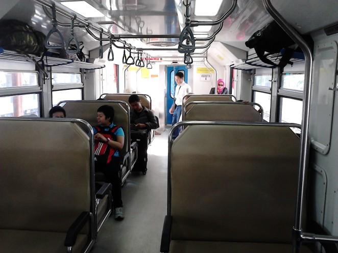 Suasana di dalam Kereta Sriwedari