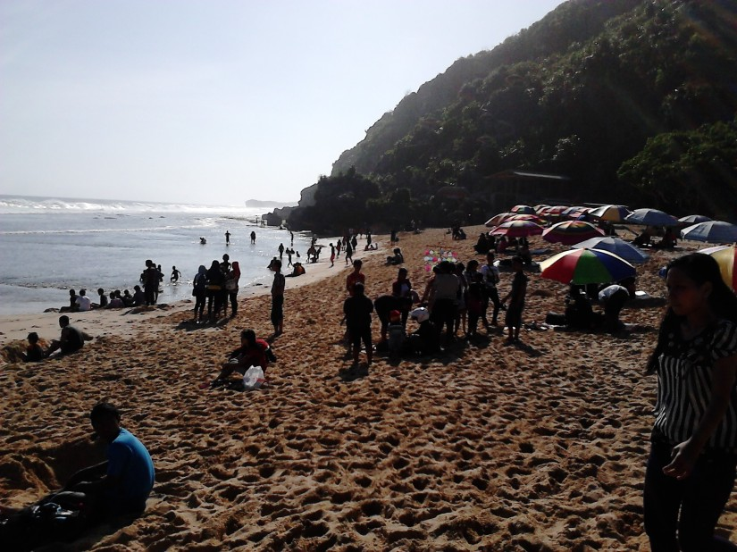 Sisi kanan Pantai Pok Tunggal