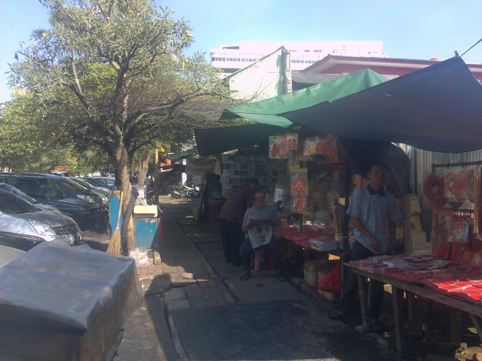 Penjual Di Sepanjang Trotoar