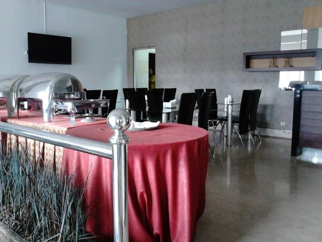 Ruang makan Naval Hotel