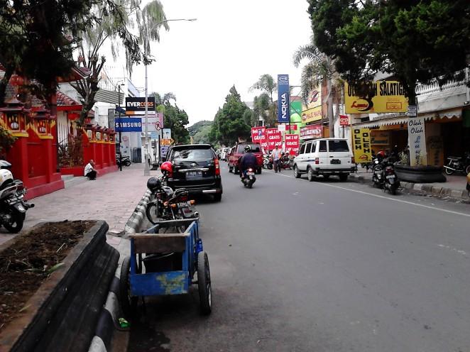 Jalan Sukowati - sentra oleh-oleh Salatiga