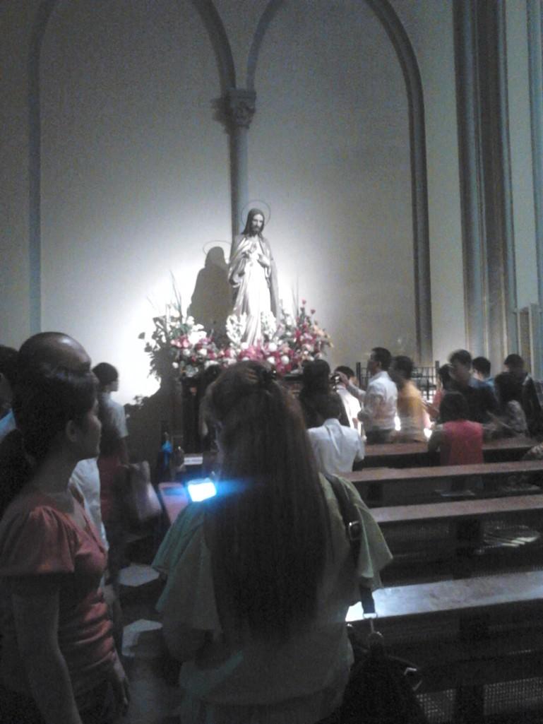 Patung Yesus Kristus di salah satu sudut