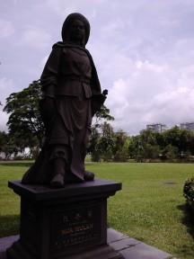 Hua Mulan statue