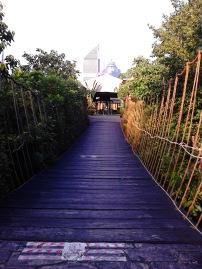 Jembatan buatan