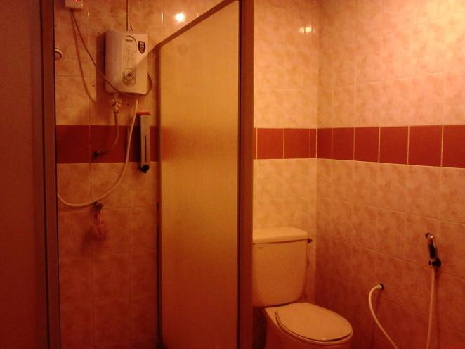 A 3-star-hotel bathroom