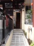 Pintu masuk menuju hostel