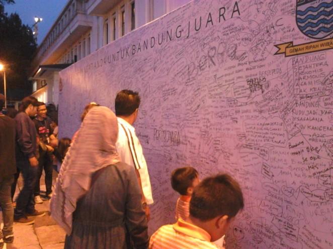 Tulis semangatmu untuk Bandung Juara!