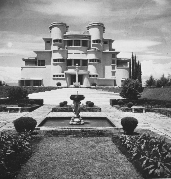 Bangunan Villa Isola jaman baheula