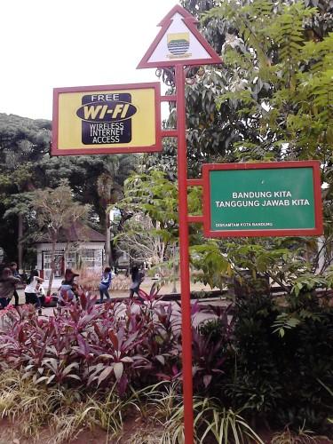 Wifi gratis di Balai Kota Bandung!