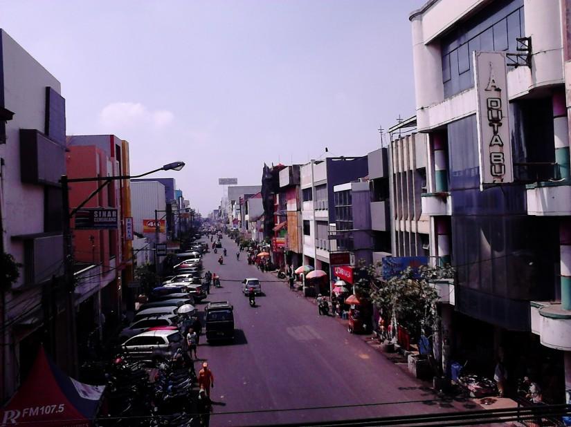 Suasana Jalan Pasar Baru