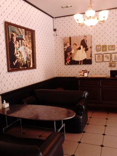 Ruangan bagian depan, Gigglebox Cafe & Resto