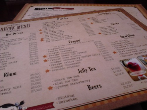Papan menu Gigglebox Cafe & Resto