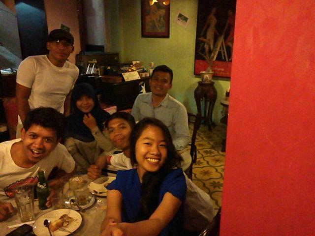 Gue, Devy, mas Hery, Desi, bang Sean, Anwar