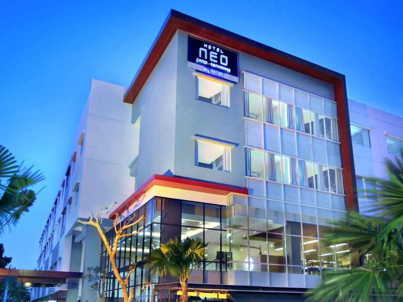Hotel Neo Candi, Semarang, tampak depan [sumber: neohotels.com]