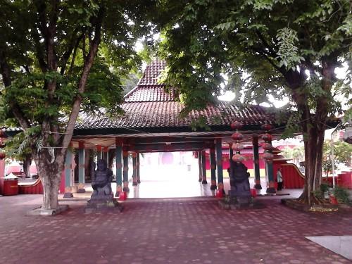 Pendopo bergaya Jawa di klenteng Sam Poo Kong