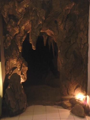 Replika gua batu