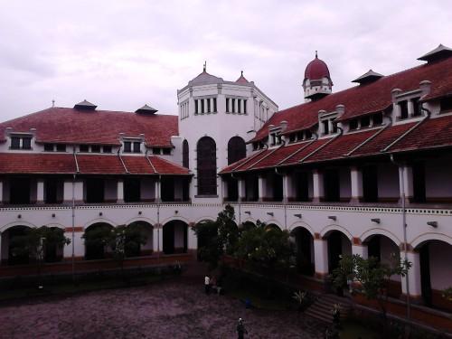 Gedung A dilihat dari lantai 2 Gedung B Lawang Sewu