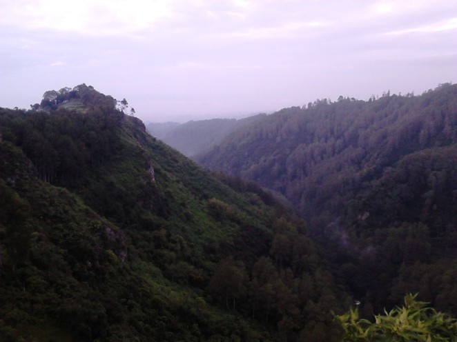 A typical view of Tebing Keraton