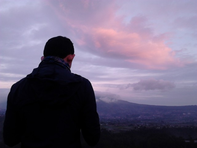 Panorama yang tersaji kala itu di Tebing Keraton