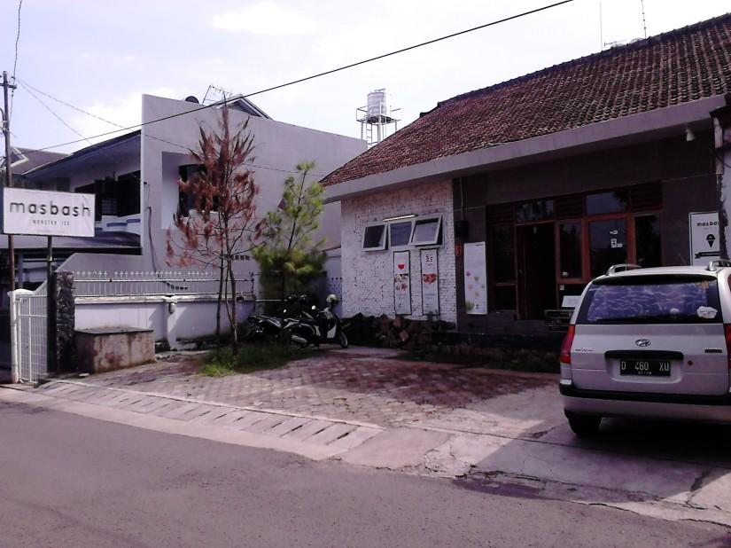 Cafe Masbash Monster Ice, Bandung