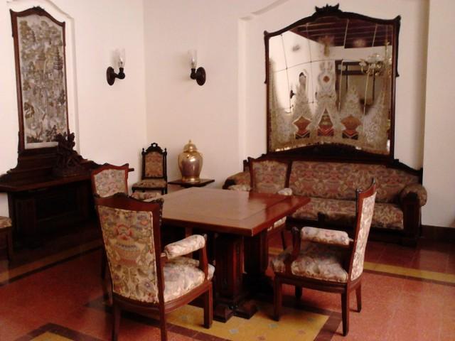 Masih di ruang makan Pura Mangkunegaran