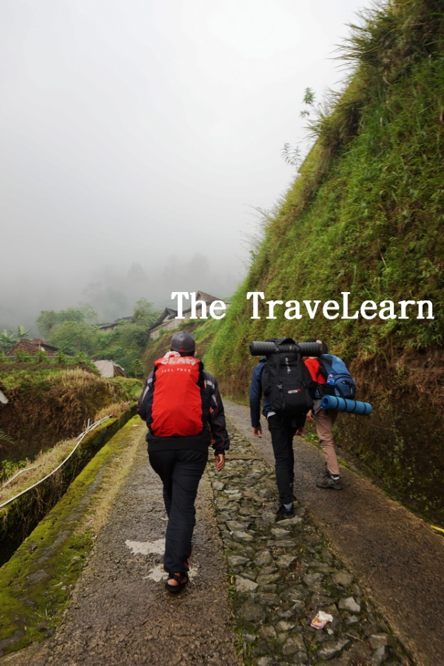 Resmi memulai pendakian menuju Puncak Merbabu.