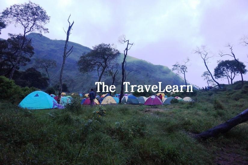 Tenda-tenda di Pos 2 Wekas, Merbabu.