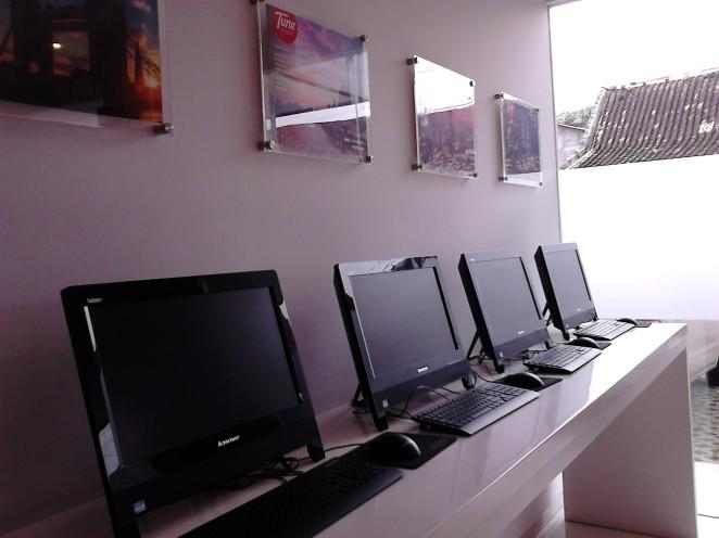 Computer set di lobi Tune Hotels / Red Planet, Solo