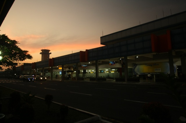 Fajar merekah | The dawn breaking at Halim Perdana Kusuma Airport, Jakarta