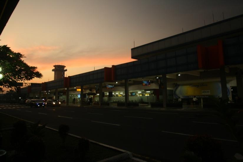 Fajar merekah   The dawn breaking at Halim Perdana Kusuma Airport, Jakarta