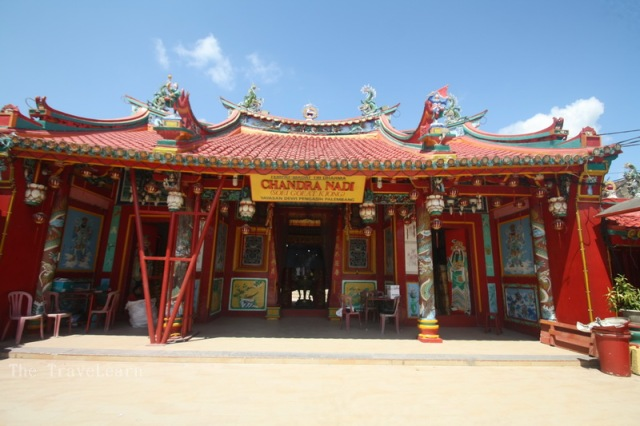 A closer look, a chinese temple in Musi River, Palembang