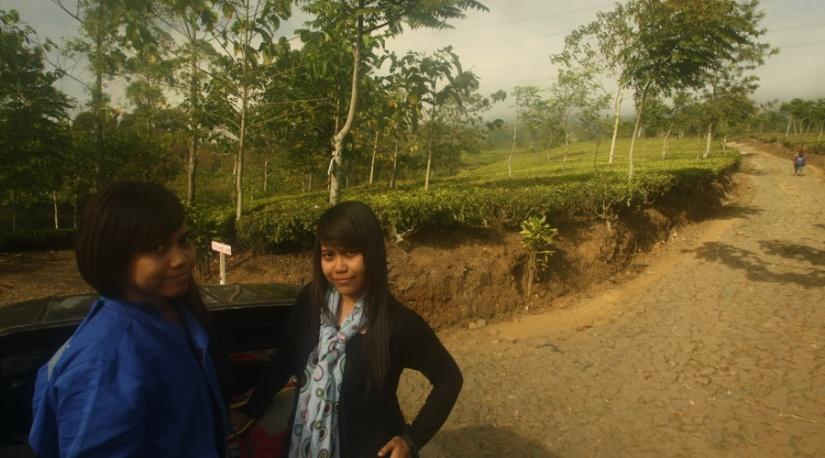 Si kembar Sania Tania