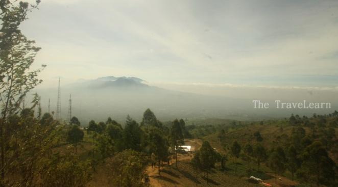 Eh, itu Gunung Papandayan bukan sih?