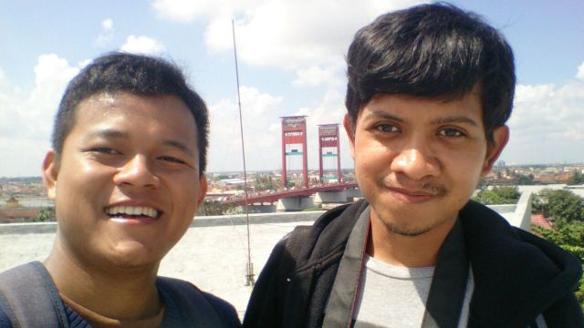 Took a selfie with Heru on the top f MONPERA, Palembang.