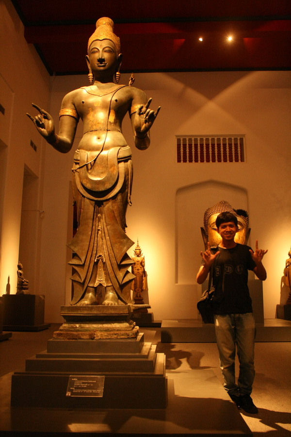Taking a self picture in Bangkok National Museum