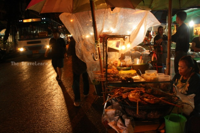 Street food vendors at the end of Chakphet Road
