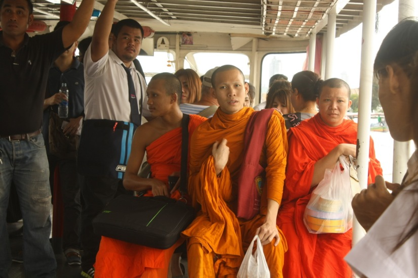 Monks on the boat | Para biksu di atas perahu - Bangkok