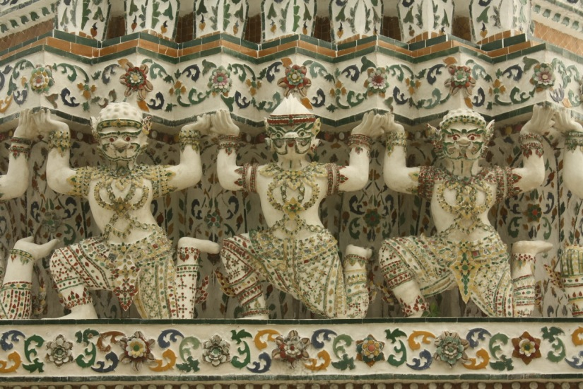 Detailed look at Wat Arun's decoration