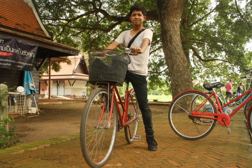 With my bike at Wat Mahathat