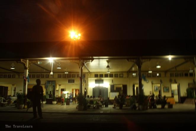 Saat gelap mendekap di Ayutthaya