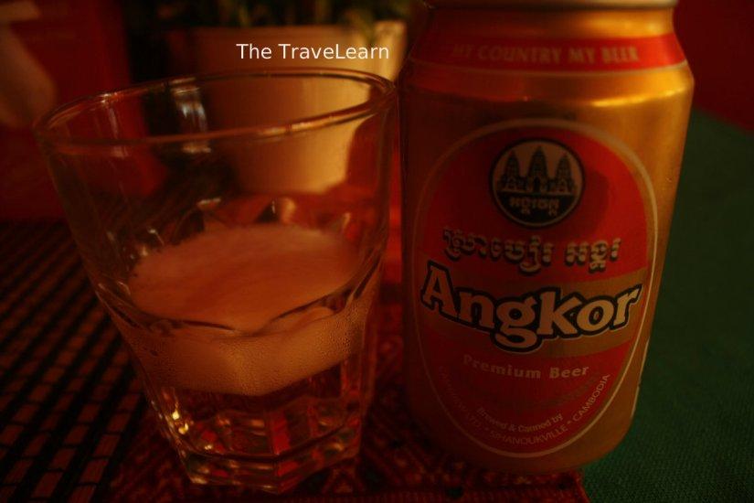 Sekaleng Angkor Beer