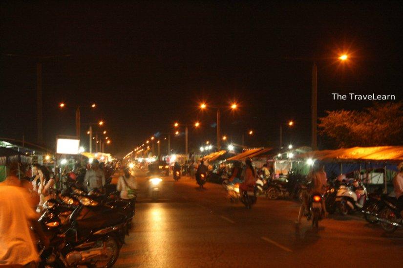 Suasana Pasar Malam di Road 60