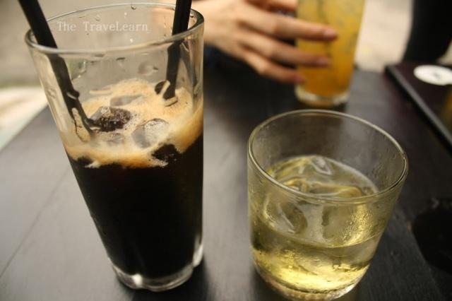 Vietnamese Iced Black Coffee (Ca Phe Den Da)