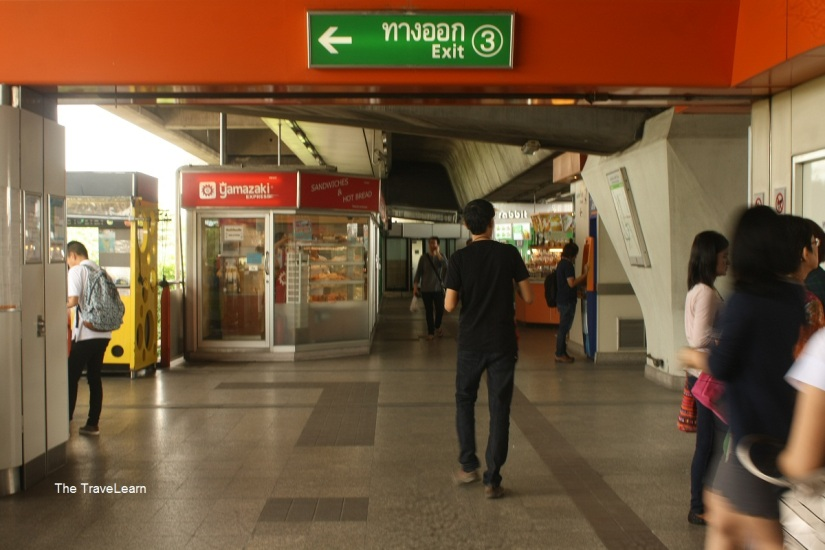 Concourse area at station