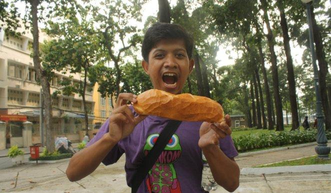 Vietnamese Plain Bread (Banh Mi)