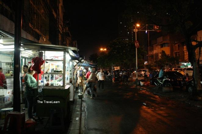 Street vendors at Jalan Mangga Besar