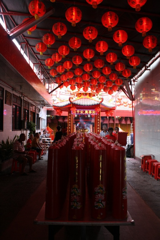 Memasuki Vihara Dharma Jaya (Klenteng Toa Se Bio)