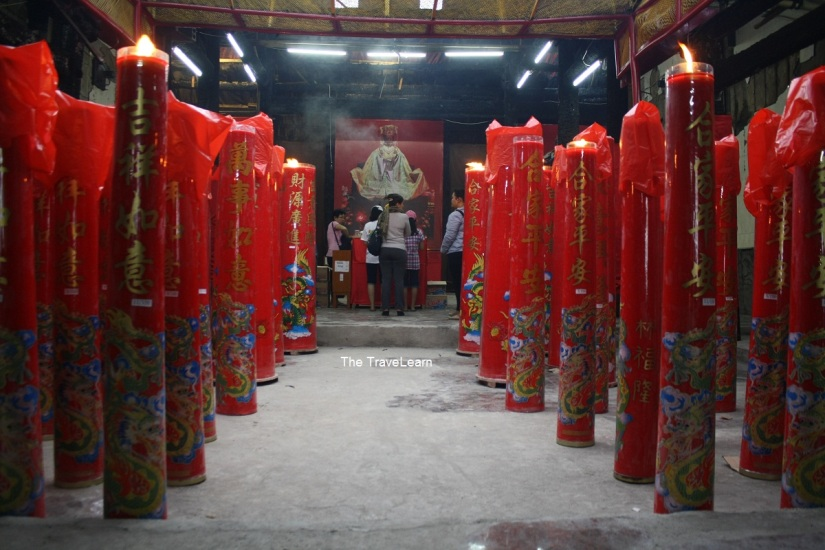 Inside the Jin De Yuan Temple