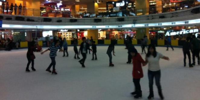 Ice Skating Mal Taman Anggrek, Jakarta Barat
